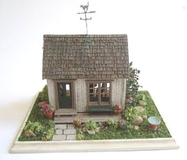 Elizabeth Yankowski's completed Garden Shed from Nell Corkin's class, Guild School 2011.