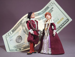 1/24 scale figures in Tudor garb, by James Carrington, prototypes for his 2012 class at the Guild School.