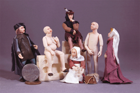 1/24 scale figures by James Carrington in medieval garb.