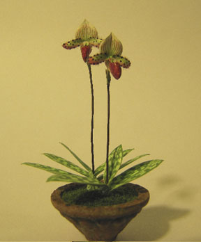 1/12 scale orchids by Artisan member Peter Gabel.