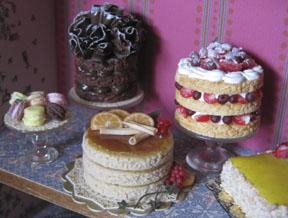 Desserts in 1/12 scale.