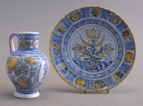 Delftware in 1/12 scale after English originals by Lee-Ann Chellis Wessel of DemiTasse Miniatures.