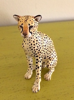 Also up for auction, a cheetah in 1/12 scale by Karl Blindheim.