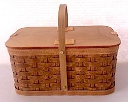 1/12 scale picnic basket by IGMA Artisan member Al Chandronait.
