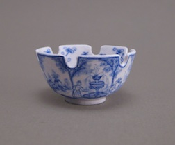 Dutch Delftware Monteith Bowl , taught by Lee-Ann Chellis Wessel, IGMA Fellow member.